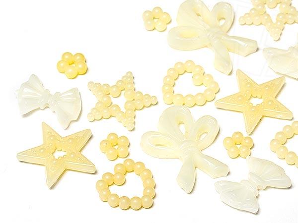 aufnahteile-und-motive-aus-acryl-kunststoff-von-star-bright-7-0-20-0mm-cream-motiv-mix-100-