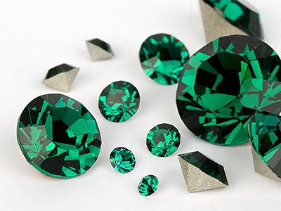 chatons-von-swarovski-elements-emerald-multi-size-mix-7704-stuck