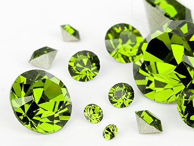 chatons-von-swarovski-elements-olivine-multi-size-mix-7704-stuck