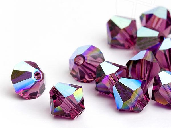glasperlen-zum-auffadeln-von-swarovski-elements-doppelkegel-5mm-amethyst-ab-720-stuck-5-gross-