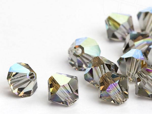 glasperlen-zum-auffadeln-von-swarovski-elements-doppelkegel-5mm-black-diamond-ab-720-stuck-5-gr
