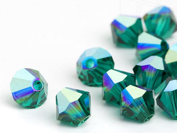 glasperlen-zum-auffadeln-von-swarovski-elements-doppelkegel-5mm-emerald-ab-720-stuck-5-gross-