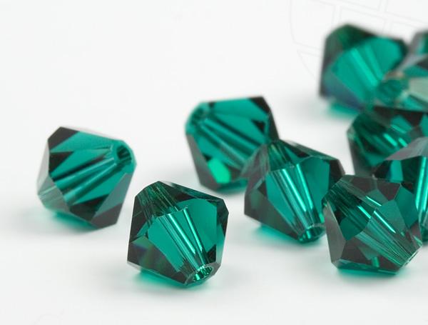 glasperlen-zum-auffadeln-von-swarovski-elements-doppelkegel-5mm-emerald-720-stuck-5-gross-