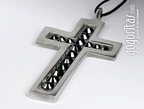Halskette mit Kreuzanhänger mit Swarovski Elements Strasssteinen besetzt (Jet-Hematite)