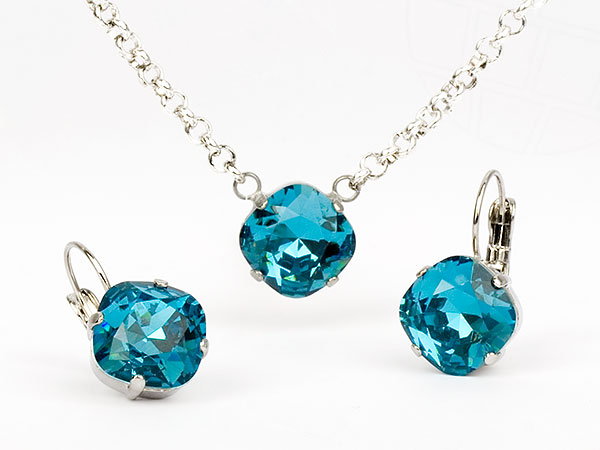 schmuckset-la-finura-von-gogoritas-made-with-swarovski-elements-indicolite-