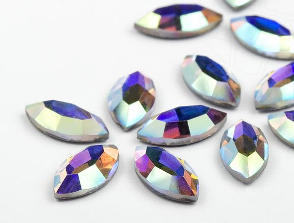 strasssteine-hotfix-von-swarovski-elements-oval-crystal-ab-24-stuck