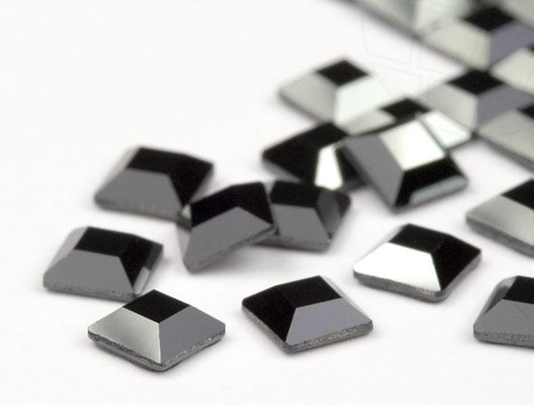 strasssteine-hotfix-von-swarovski-elements-quadrat-4mm-jet-hematite-720-stuck-5-gross-
