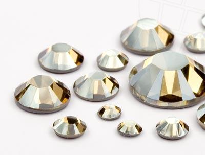 strasssteine-hotfix-von-swarovski-elements-crystal-golden-shadow-multi-size-mix-648-stuck