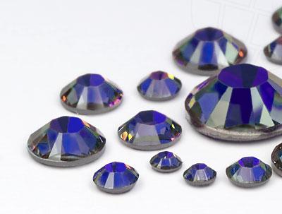 strasssteine-hotfix-von-swarovski-elements-crystal-meridian-blue-multi-size-mix-5904-stuck