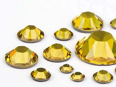strasssteine-hotfix-von-swarovski-elements-light-topaz-multi-size-mix-5904-stuck