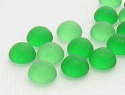 cabochons-glasnuggets-schmucksteine-rund-6-0mm-emerald-frosted-mix-100-stuck