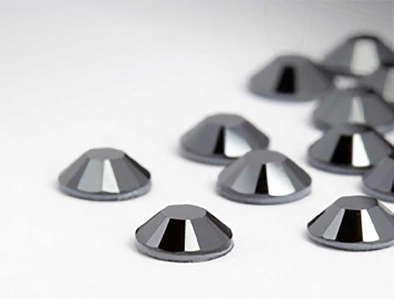 strasssteine-no-hotfix-von-swarovski-elements-ss-7-2-2mm-jet-hematite-restposten-200-stuck